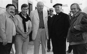 Leo McKern, Rodney Bennett, Graham Greene, Alec Guinness and Christopher Neame during the filming of Monsignor Quixote.
